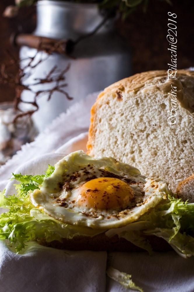 Pane alle nocciole con la macchina del pane