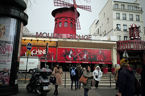 18b12 Moulin Rouge Abbesses Montmartre_0017 variante Uti 485