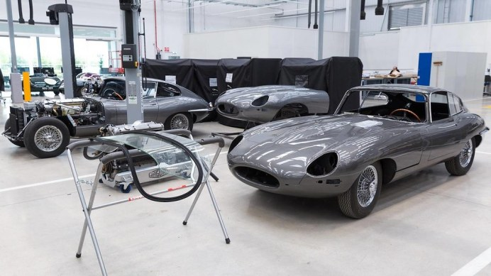 inside-jaguar-land-rover-classic-works (1)