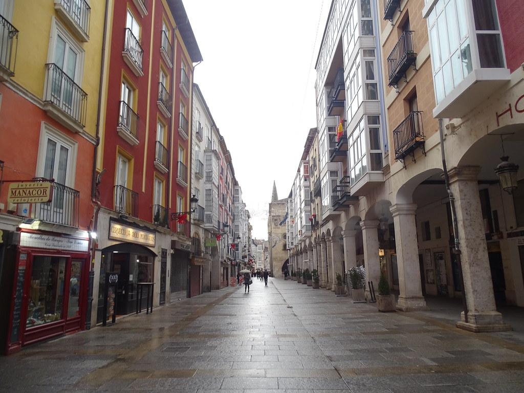 Burgos calle de la virgen de la Paloma 01