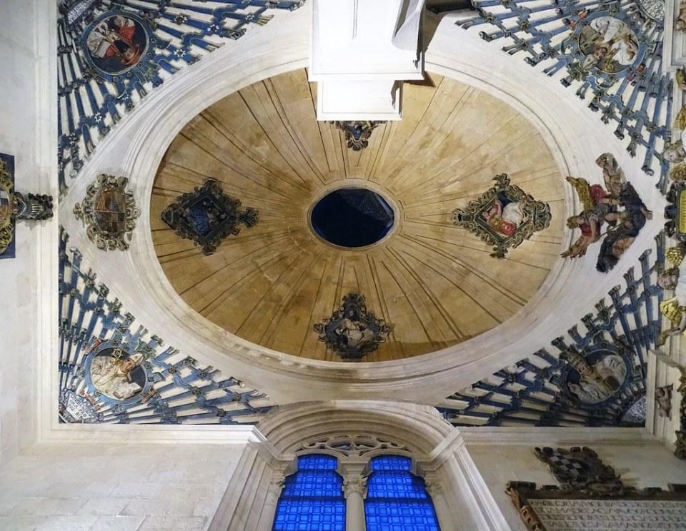 Catedral de Burgos Capilla de la Natividad de Nuestra Señora cupula boveda oval de Martín de la Haya y Domingo de Bérriz