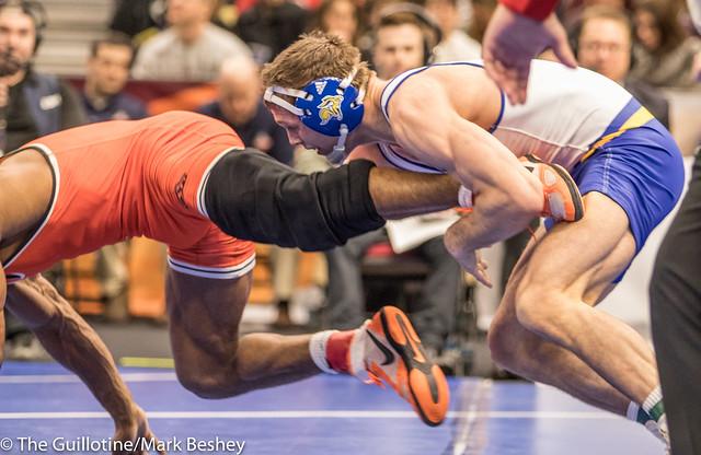 174 7th Place Match - David Kocer (South Dakota State) 29-8 won by decision over Jacobe Smith (Oklahoma State) 22-8 (Dec 7-2) - 180317cmk0019