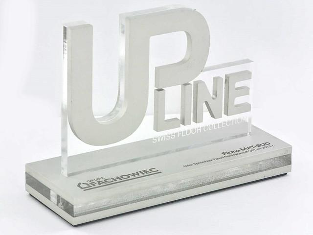 Statuetki aluminium połączone z bezbarwną plexi