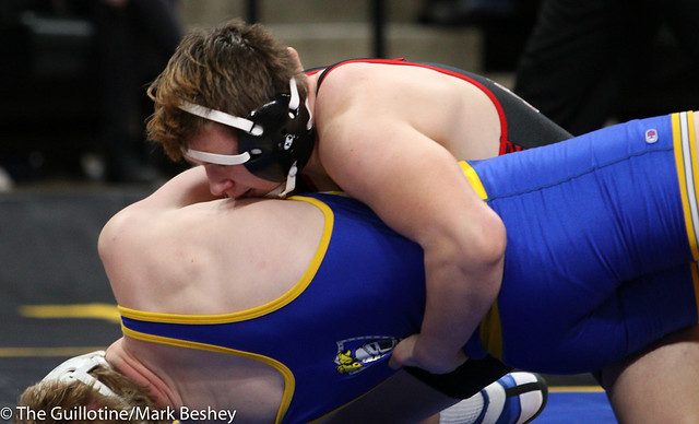195 - DJ Smith (Shakopee) over Cole Jann (St. Michael-Albertville) TF 17-2 - 180301cmk0178