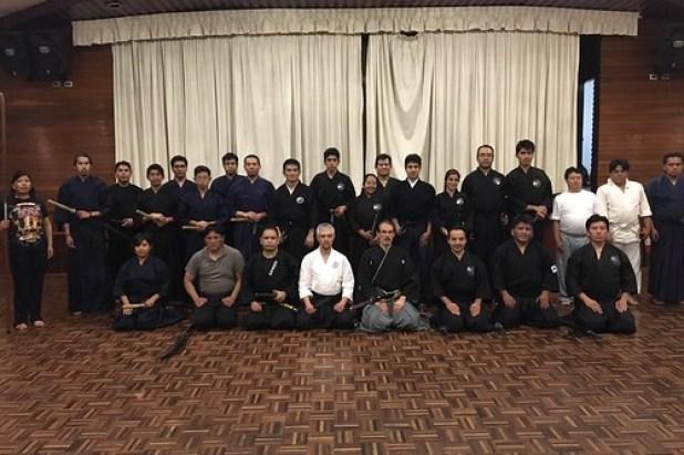Practicantes de Kendo, Aikido, Mugai ryû y Genko Nittô ryû asistentes a la clase magistral de Musô Jikiden Eishin ryû iaijutsu y Ryôen ryû naginatajutsu.