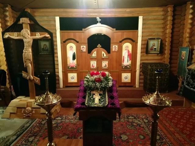 2018 03 10 Крестопоклонная неделя. Внутри храма