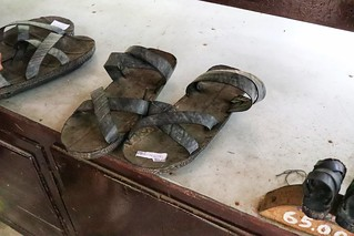 Sandals made from tyres