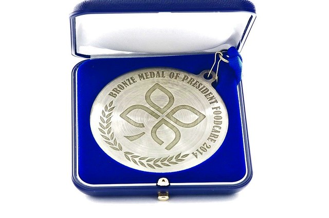 medal o średnicy 7 cm