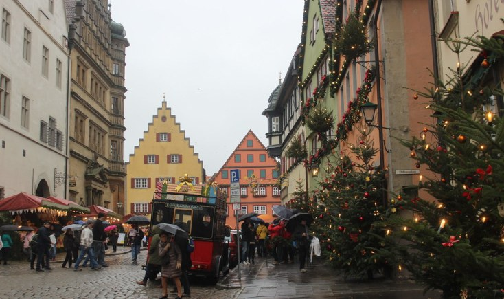 Christmas decorated street in Rothenburg ob der Tauber