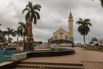 Mijn eerste kennismaking met Angola was in Cabinda. Een exclave ingeklemd tussen Congo Brazzaville en Congo Kinshasa.