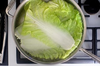 blanched cabbage leaves