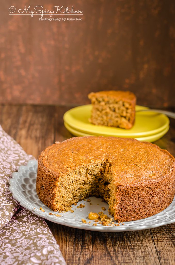 Applesauce whole wheat cake