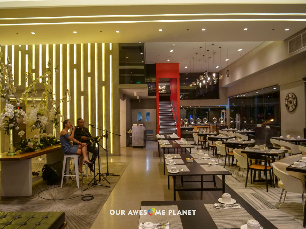 B Hotel Lobby-1.jpg