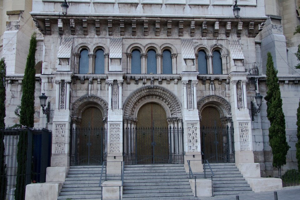 exterior Cripta Catedral Santa Maria la Real de la Almudena Madrid 03