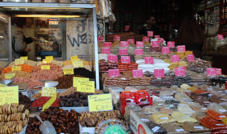 Condiments, nuts and dried fruit