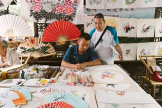 Fan painting in People's Park, Chengdu, Sichuan