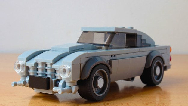Lego 007's Aston Martin DB5 with working gadgets