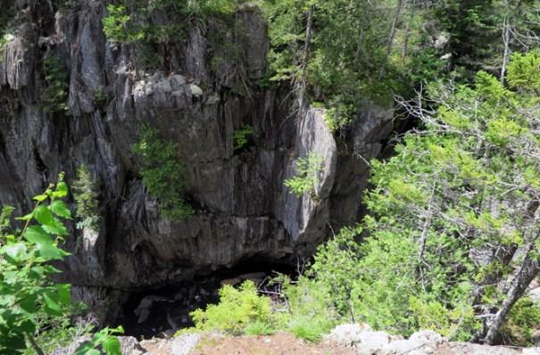 Gulf Hagas Cliff