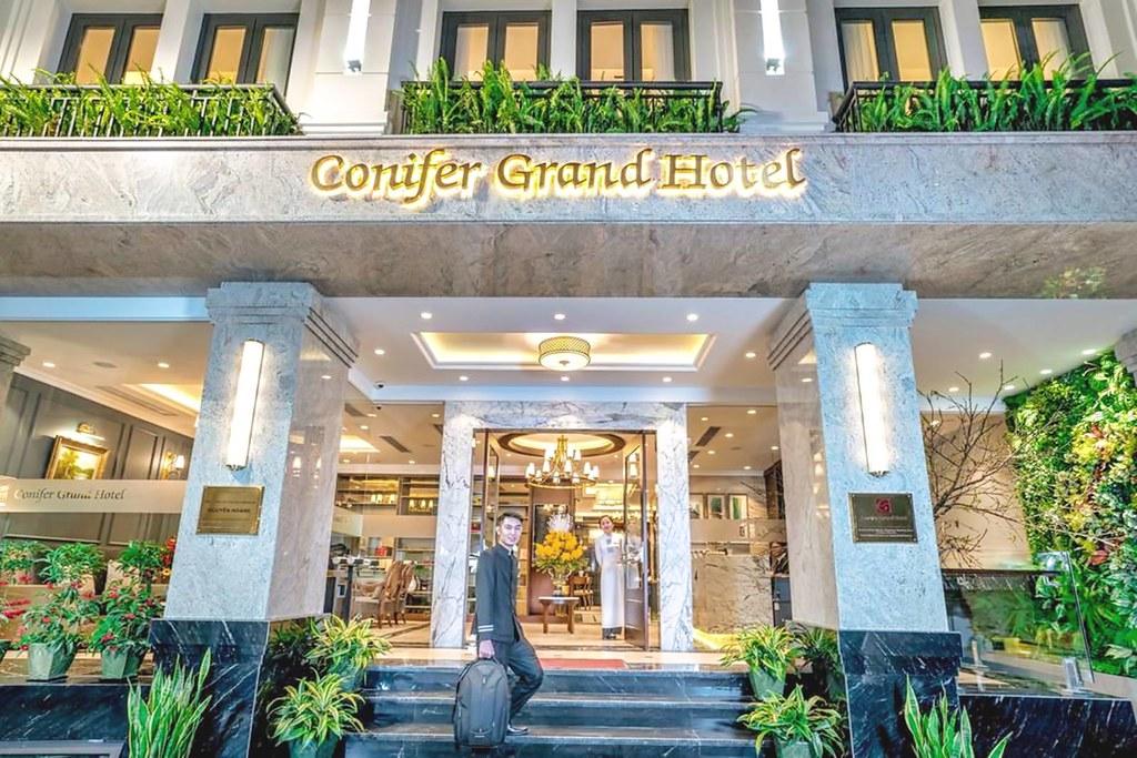 Conifer Grand Hotel 1