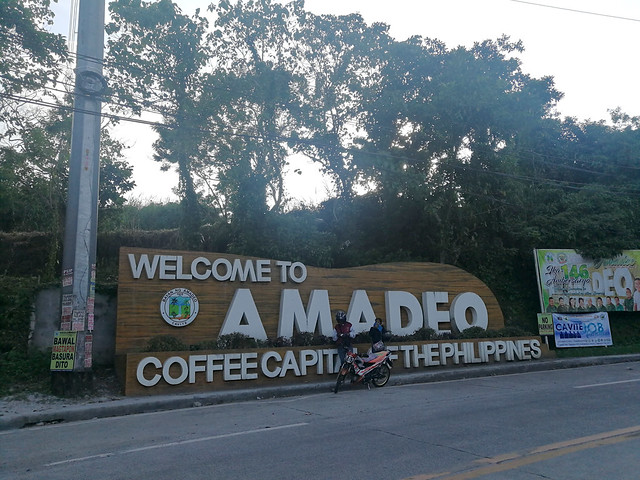 Amadeo Cavite sign