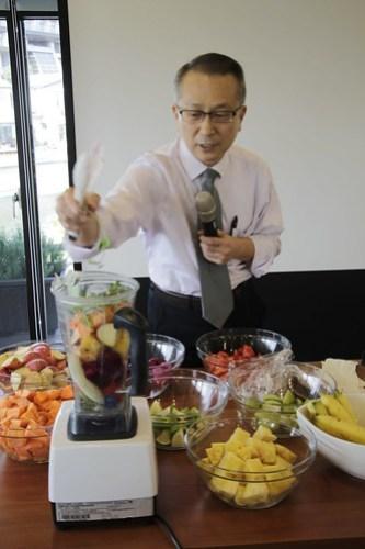韓教授排毒蔬食果汁示範