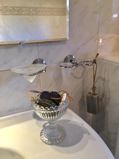 Zeep aan touw badkamer landelijke stijl