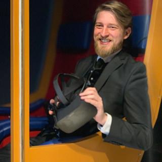 Jonas Rothe mit VR-Brille