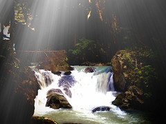 Sun rays at Lares