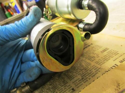 Fuel Pump Vibration Damper Installed in Bracket