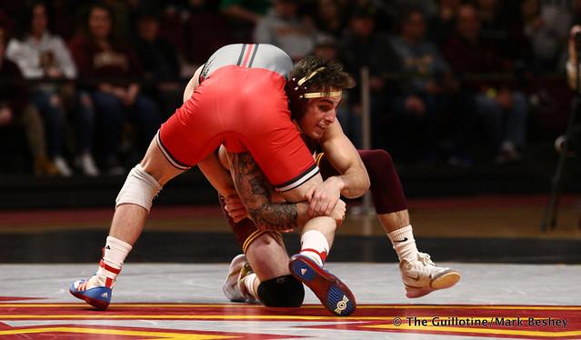 125 #6 Sean Russell (Minnesota) maj. dec. Shane Metzler (Rutgers) 16-5. 190106AMK0003