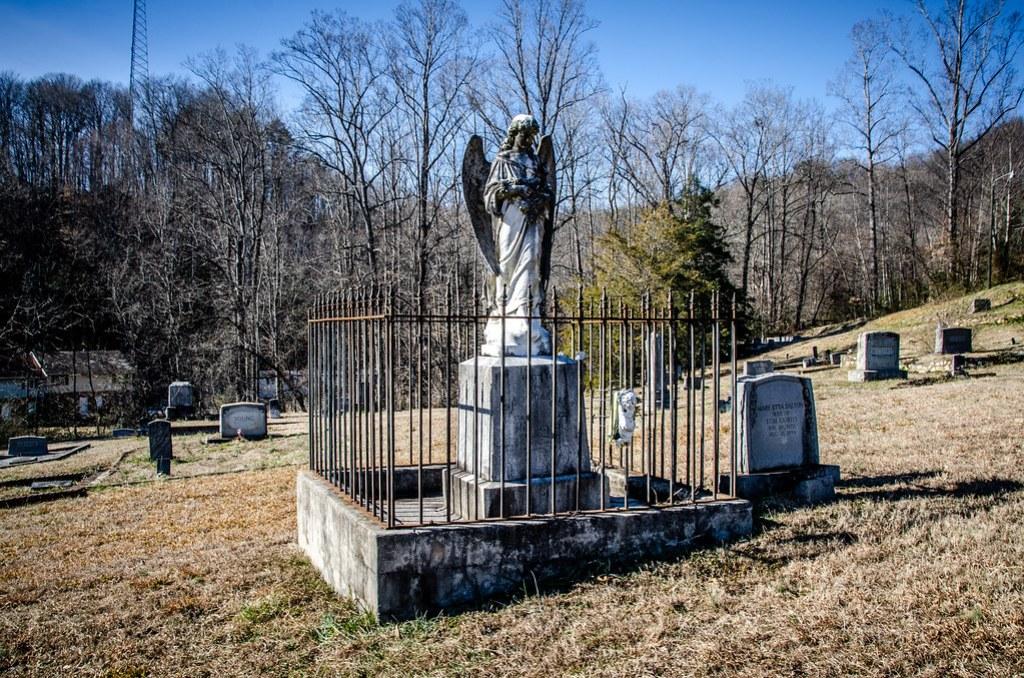 Hattie McCanless grave-007