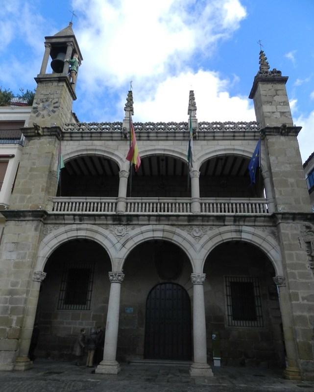 Ayuntamiento de Plasencia Caceres 01