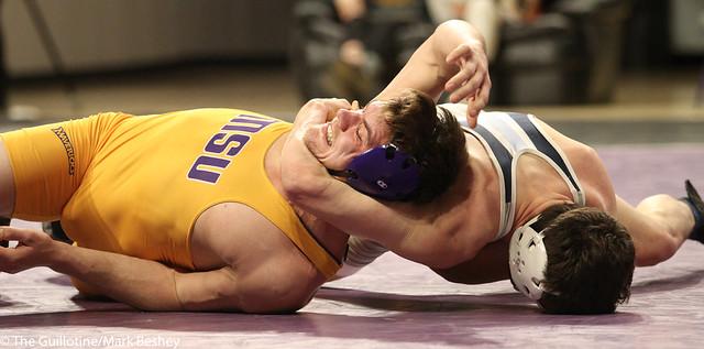 174: Zach Johnston (MSU) wins 13-10 decision vs. Jordan Gundrum (UIU)   6-3 MSU - 190117mke-0065