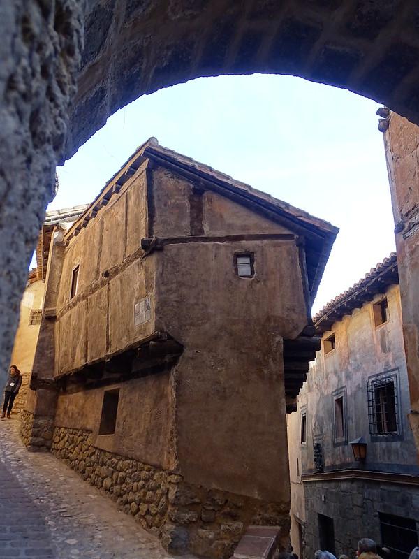 Casa de la Julianeta Portal de Molina muralla de Albarracin Teruel 01