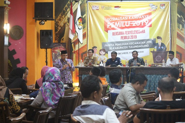 Suasana Sosialisasi Kampanye Pemilu 2019 bersama PPK se Kabupaten Tulungagung di Liiur Cafe and Resto Tulungagung (11/12)