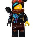 LEGO Movie 2 70830 Sweet Mayhem's Systar Starship 04