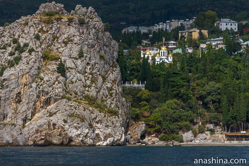 Храм Успения Пресвятой Богородицы в Гурзуфе, Крым