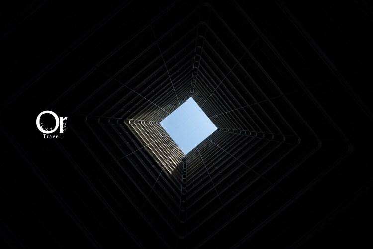 香港攝影景點|愛民邨,位在港鐵何文田站,一不小心踏進時光迴廊就走進老香港的幾何世界