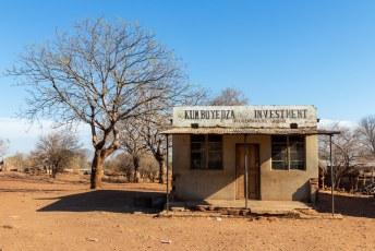Daarna nog even mijn investeringsportefeuille doorgenomen met Dhr. Kumboyedza.
