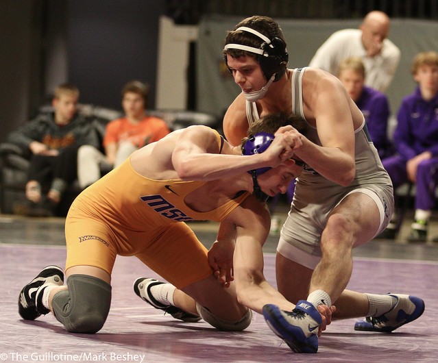 149: Kyle Rathman (MSU) wins 20-5 tech fall at 6:57 vs. Chase Seaney (UIU)   18-17 MSU - 190117mke-0193