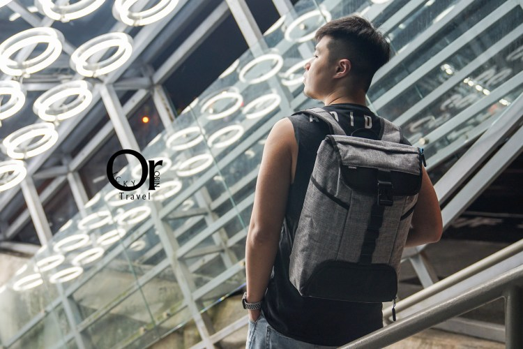 背包開箱 bagrun 城市機能健身電腦後背包 - 運動用品收納沒問題,輕盈設計背負無負擔
