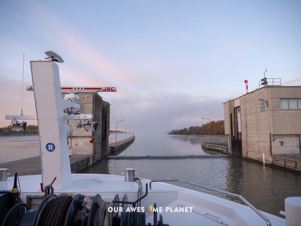 Cruisin Danube and locks-2.jpg