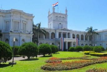 Palacio de los Lopez, ik was er dus de vlag kon uit