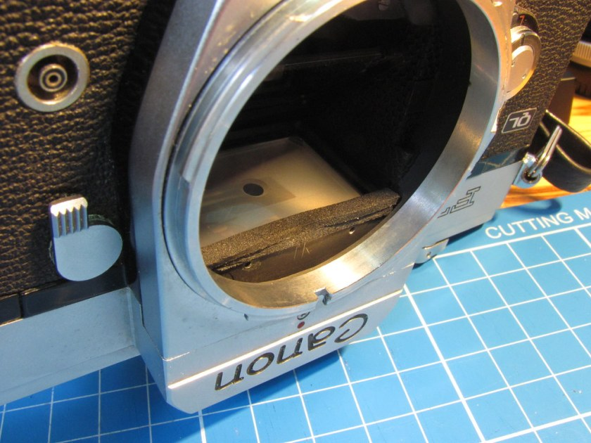 Canon FT QL mirror damper repair 4
