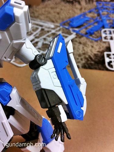 Building MC RX-93-2 Hi Nu Gundoom Gundam (14)