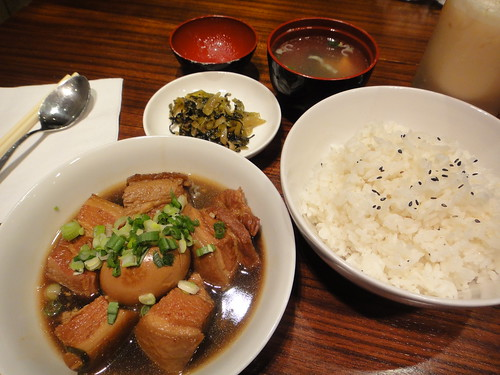 Taiwanese belly pork with Stewed Egg & Rice (扣肉滷蛋飯) - 2