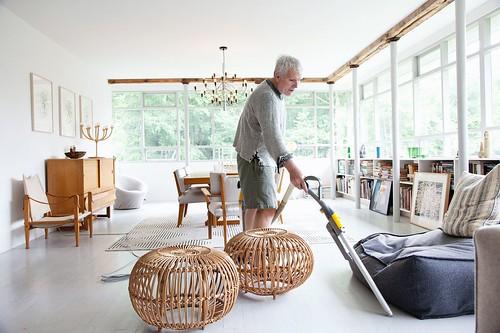 glenn obrien living area vacuum selby