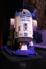 R2-D2 Statue