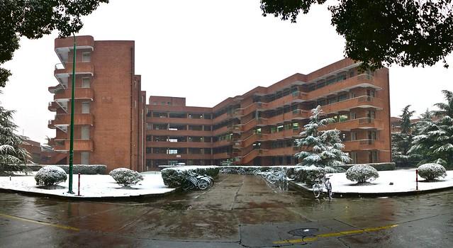 教室 (雪)