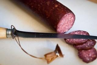 Wildwurst: gerookt worst van wild zwijn